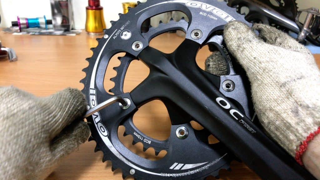 loosening chainring bolts